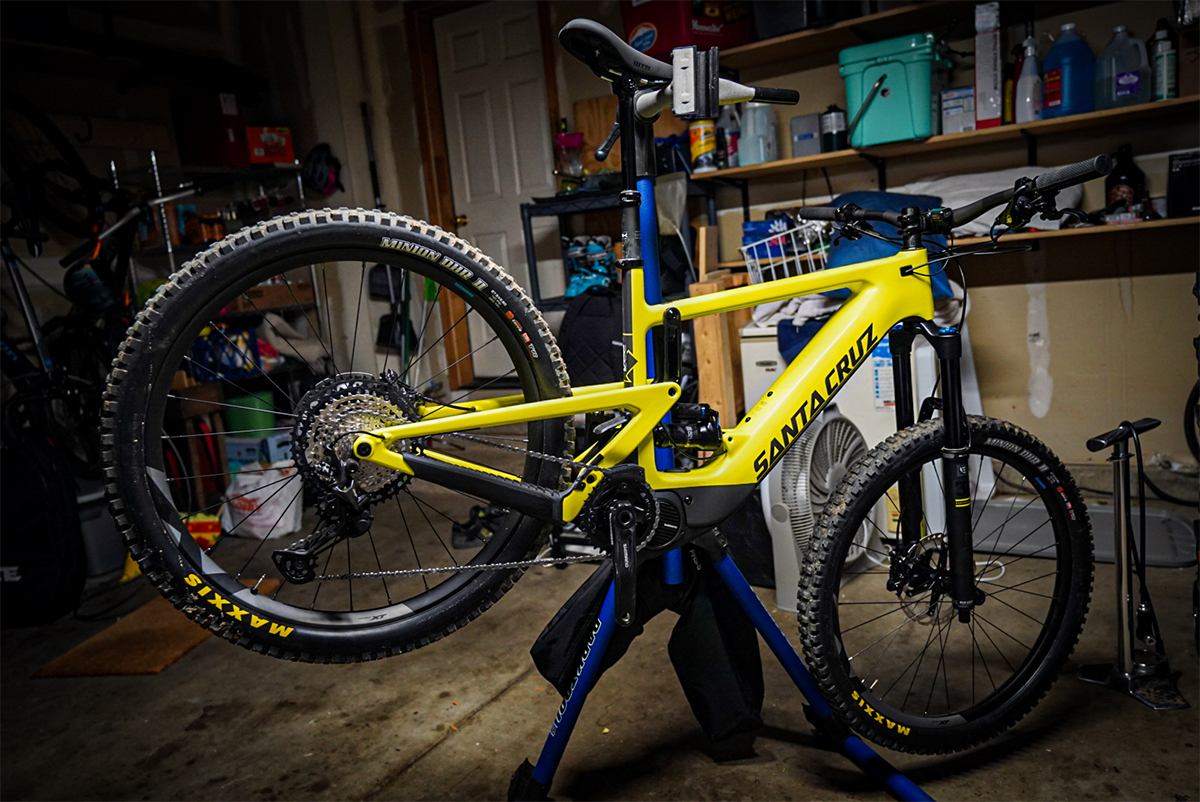 2020 Santa Cruz Heckler with Shimano STEPS
